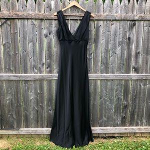08c7c74f1109 Luxurious Elie Tahari 100% Silk Gown 10 Black